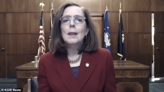 Oregon Governor Brown tells neighbors to call POLICE on COVID violators this Thanksgiving
