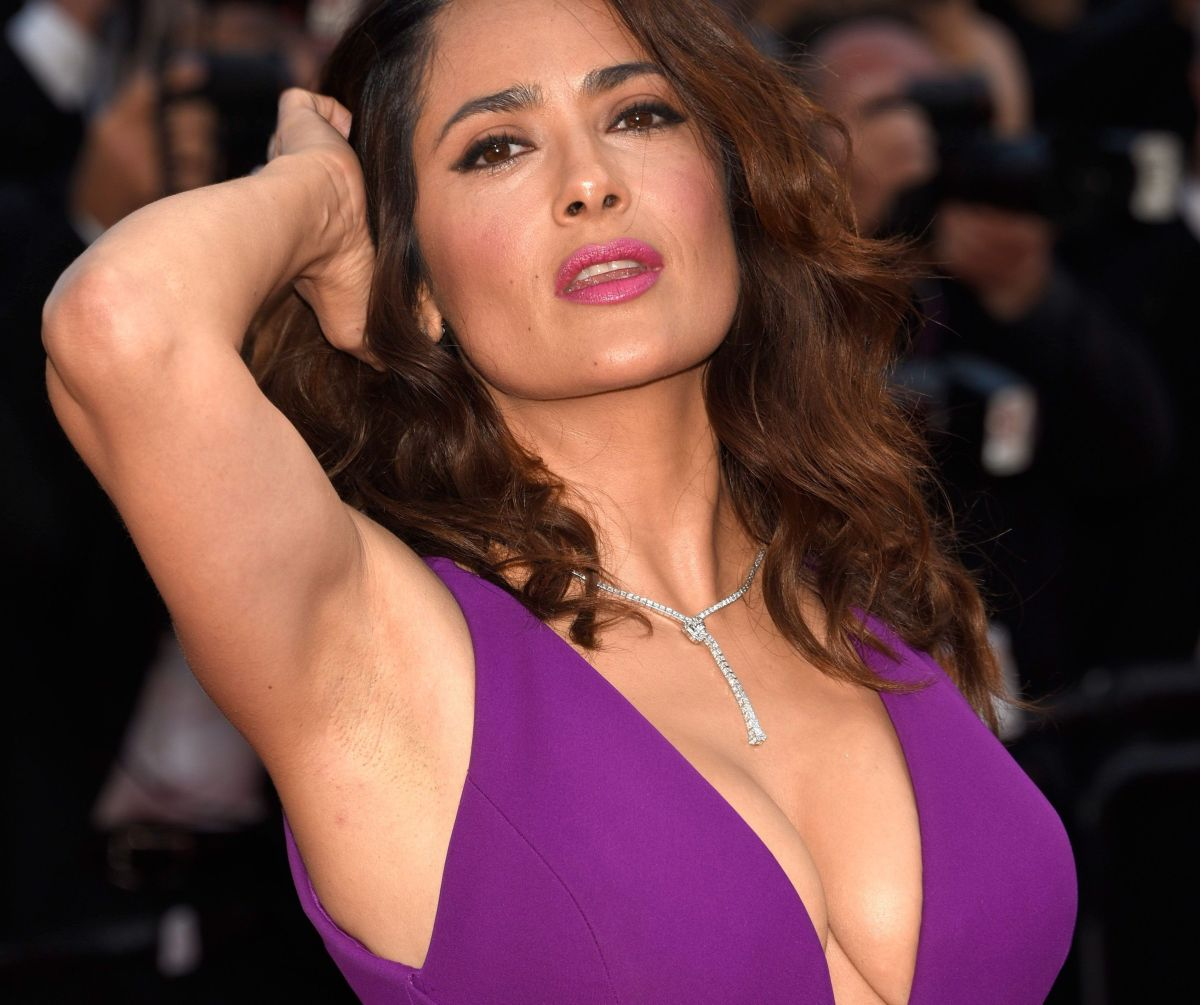 Take a look at Salma Hayek's dressing room. It looks like an apartment! | The NY Journal