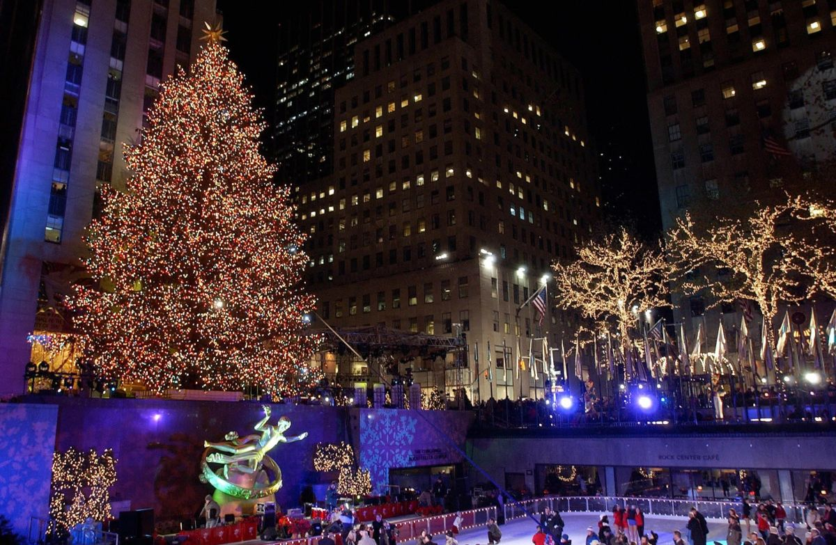 The Rockefeller Center Christmas tree has arrived, usually the most photographed | The State
