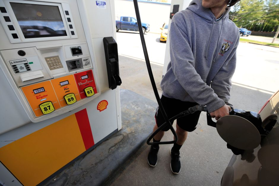 The price of regular gasoline is below $ 2 per gallon | The NY Journal