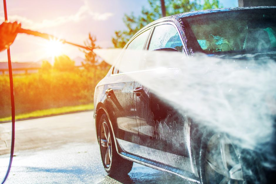 They wash a car that went 44 years without cleaning itself and the result is amazing | The NY Journal