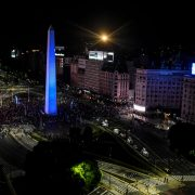 VIDEO: Maradona's remains were followed by an impressive caravan in Buenos Aires   The State