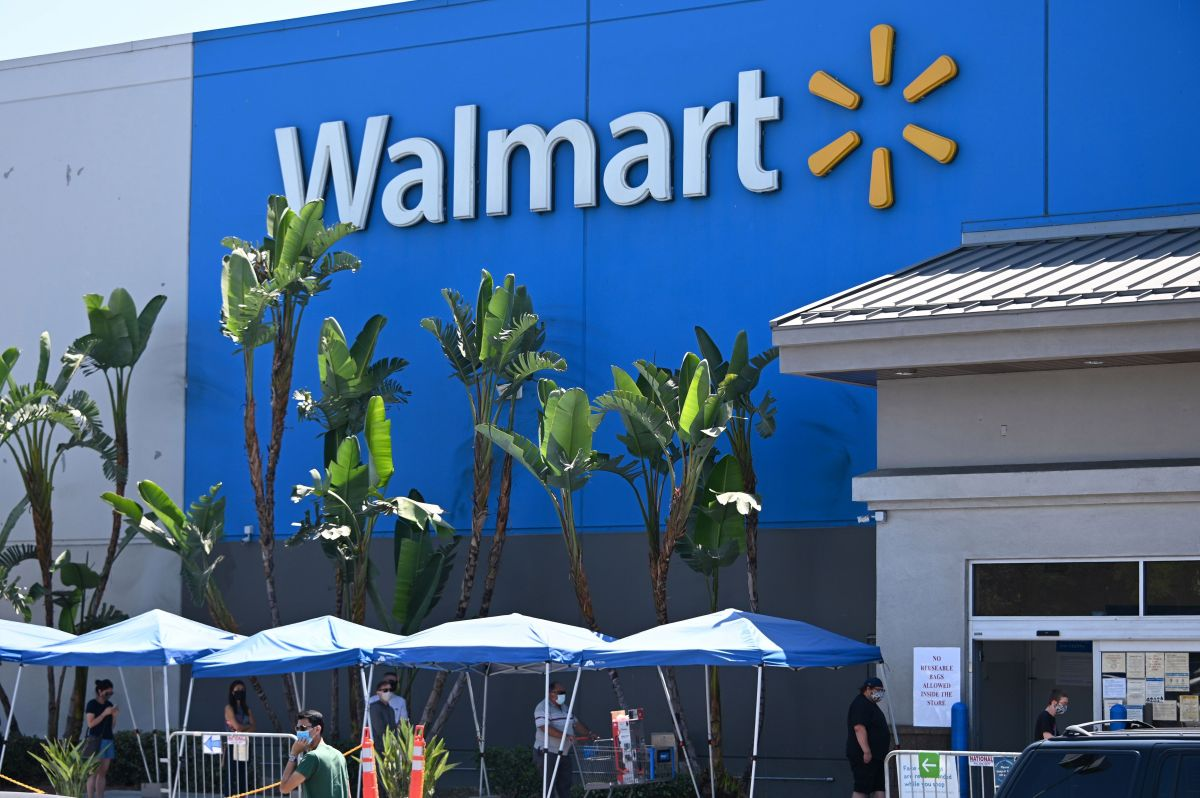Walmart Employee Makes Her Resignation Public to Store Customers Tired of Harassment and Racism | The State