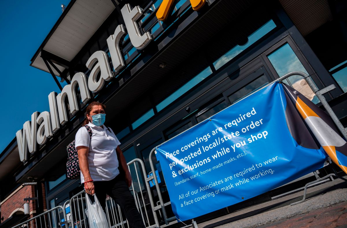 Walmart Extends Hours and Monitors Number of Customers Entering Stores Due to Increase in COVID-19 Cases | The State