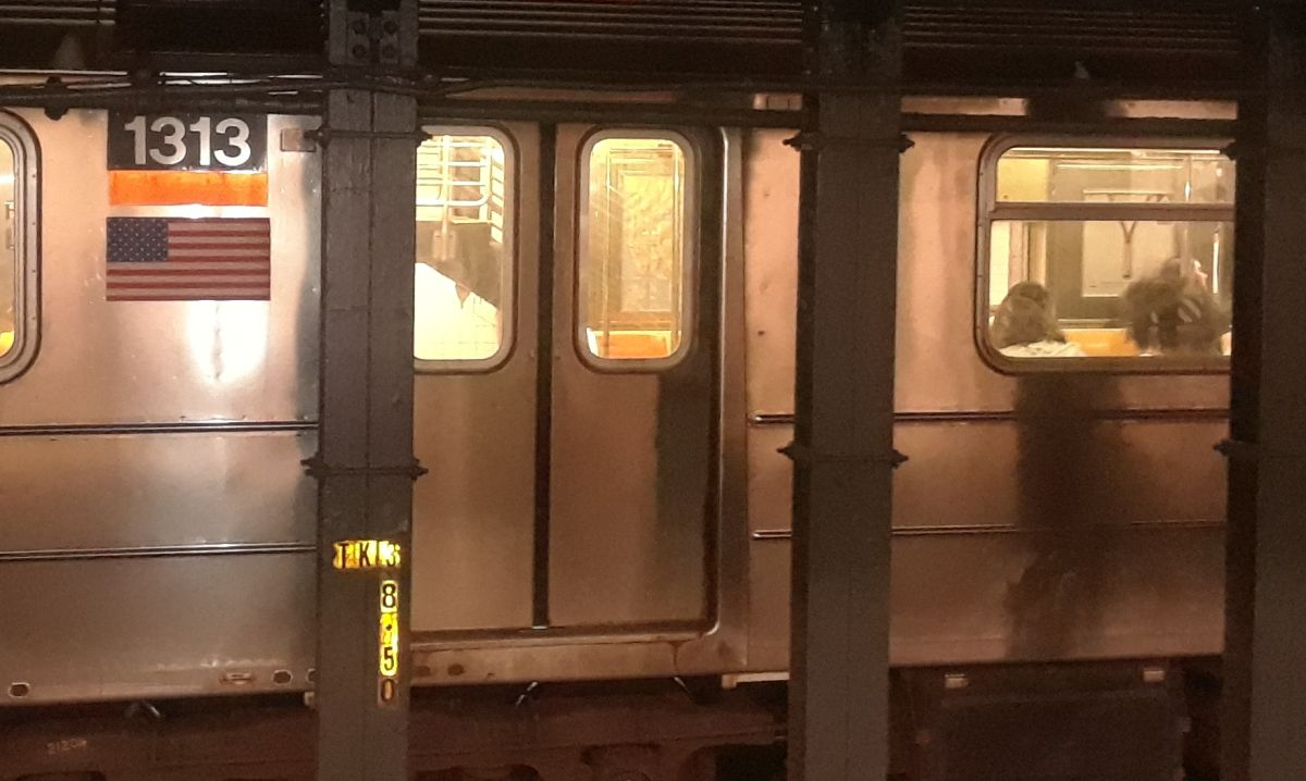 Woman pushed to the rails when the train arrived and actor beaten: violence unleashed in the New York Subway | The State