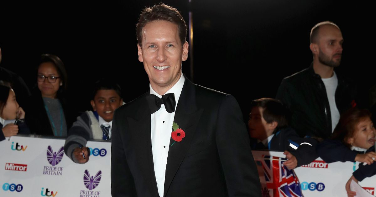 Brendan Cole hits back in furious row over 'irresponsible' face mask post