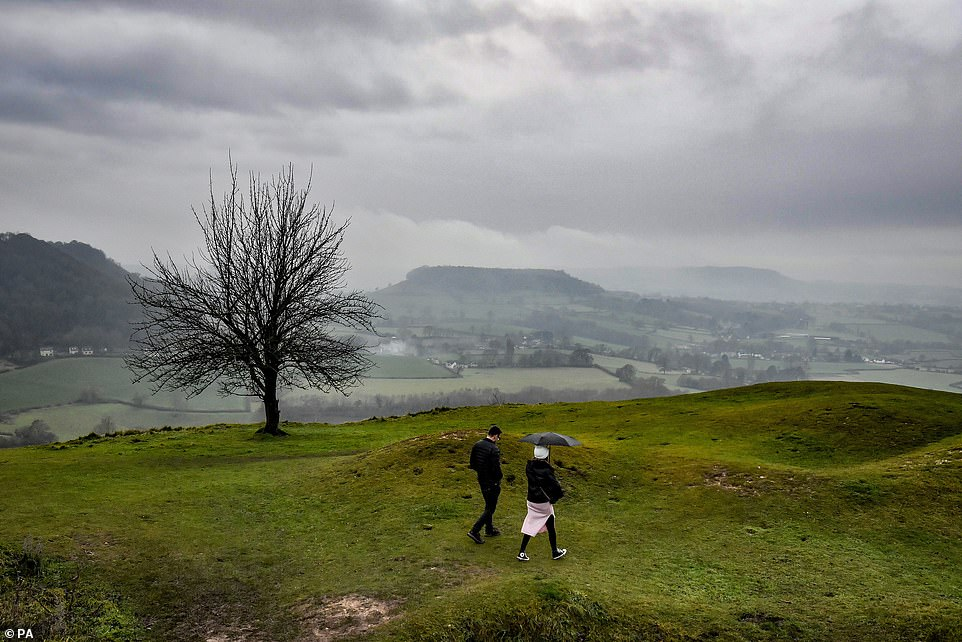 As Brits awoke to fog on Sunday morning, the Met Office has warned that large parts of England and Northern Ireland could suffer with freezing fog next week, as temperatures continue to plummet