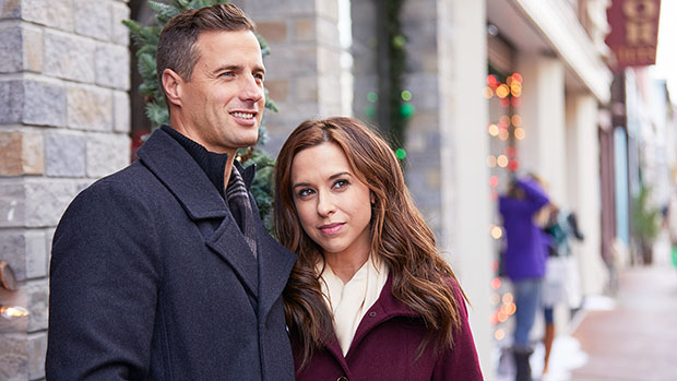 Hallmark's Holiday Queen Lacey Chabert Reveals How She Prepared To Star In 2 Magical XMas Films This Year
