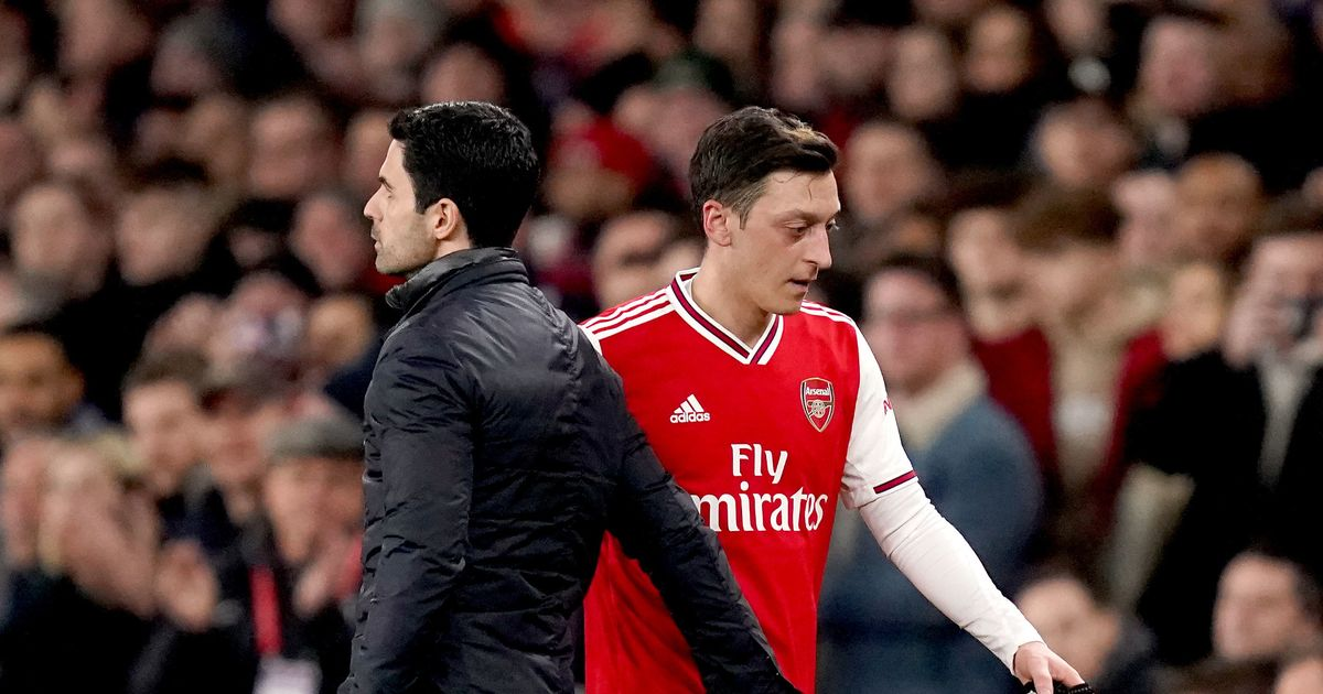 Mikel Arteta ordered to apologise to Mesut Ozil and get him back in Arsenal team