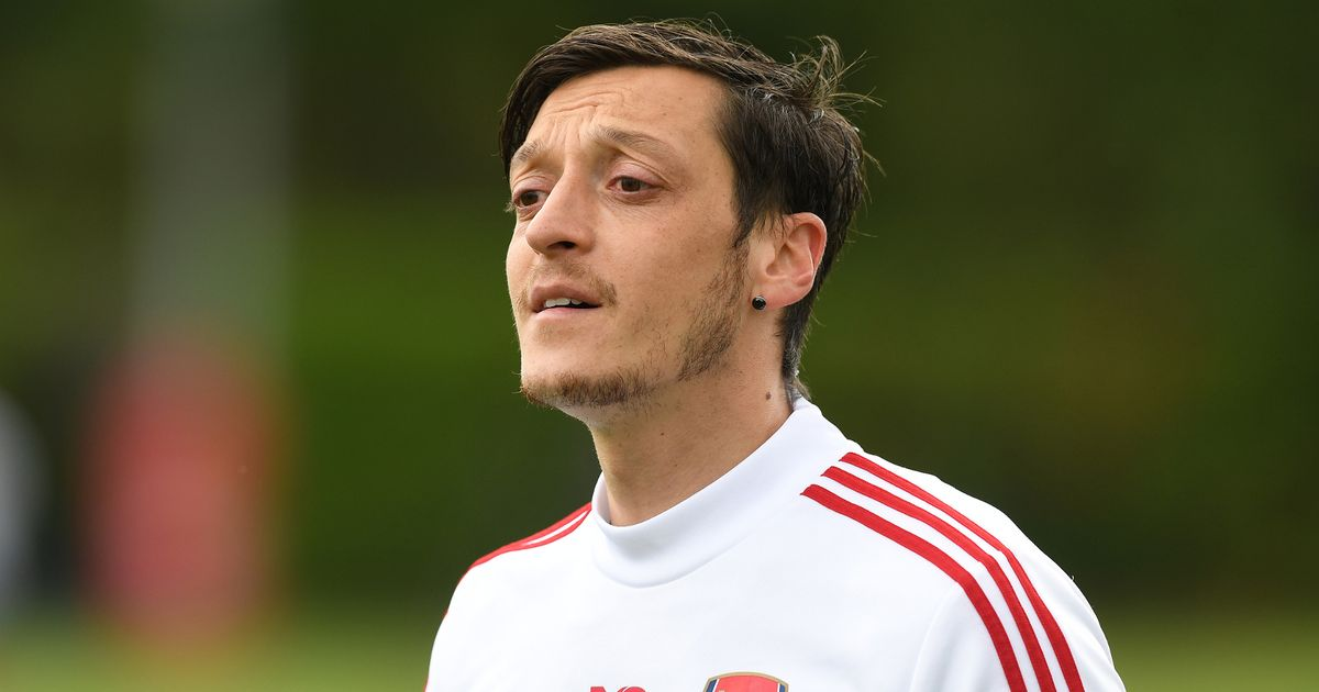 Leno disproves widely-believed Ozil claim as he provides Arsenal insight