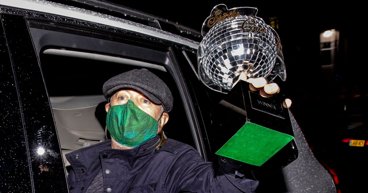 Bill Bailey leaves Strictly in filthy car waving Glitterball out the window