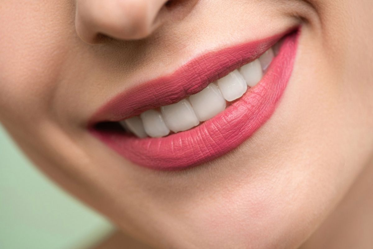 Which foods stain your teeth and which provide protection? The State