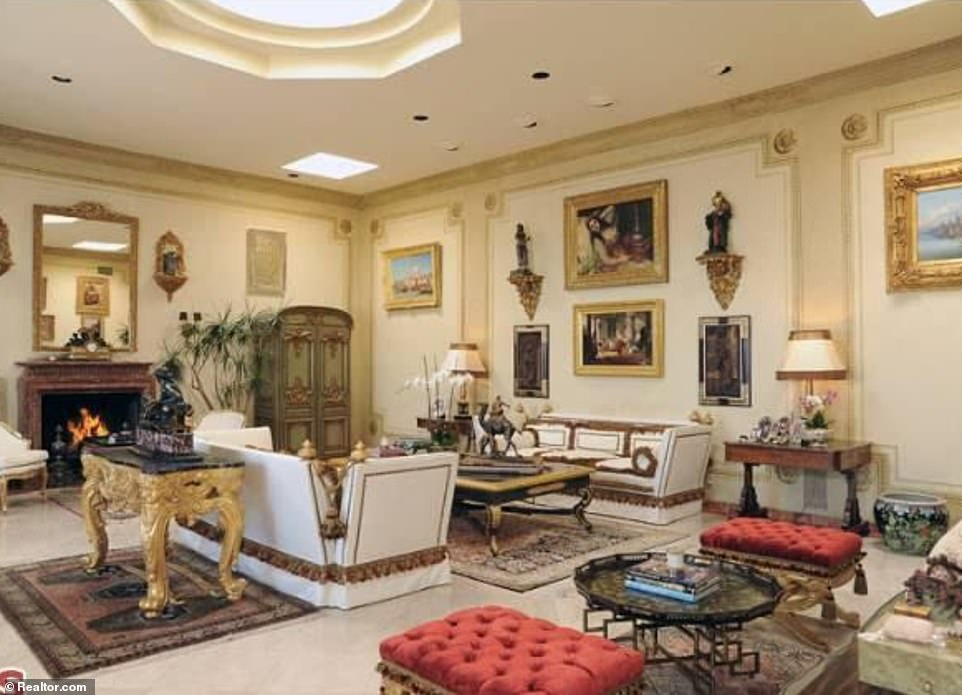 With a family background in real estate and his own property flipping show Flip It Like Disick, he certainly had the required connections to scope out some of LA's most prime mansions