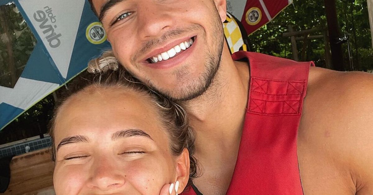 Molly-Mae Hague convinces fans she's got engaged to Tommy Fury in Maldives