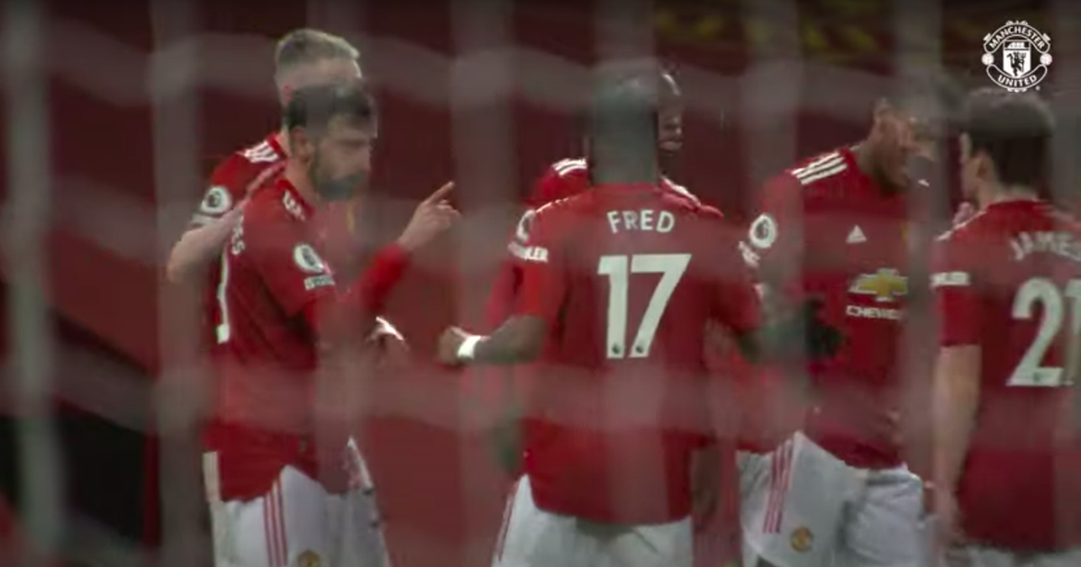 Fernandes spotted interrupting Man Utd celebration to have a word with James