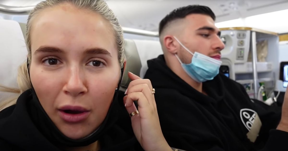 Molly-Mae Hague's fans slam her for not wearing mask with Tommy on Dubai flight