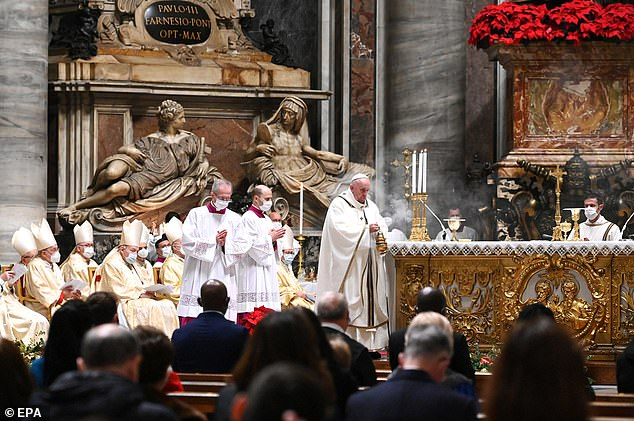 The mass, traditionally held at midnight, had been moved forward by two hours to 7.30pm to meet Italy's curfew rules