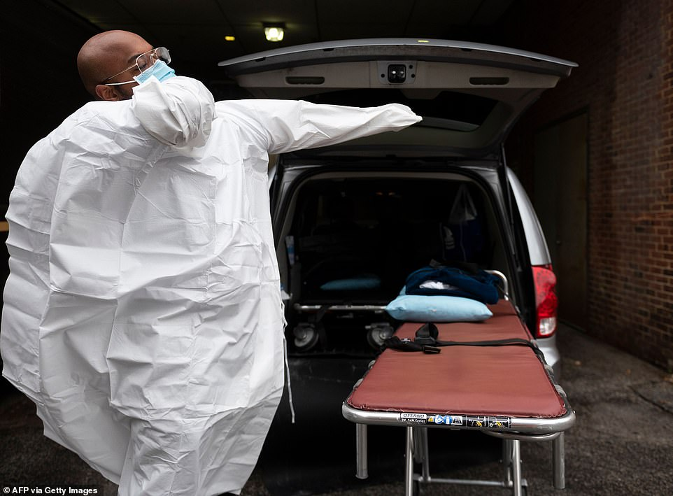 This week, states reported more than 6,000 deaths linked to nursing homes and other long-term-care facilities. California, Illinois, and Pennsylvania accounted for 29% of these deaths. Pictured, Maryland cremation services prepare to move a body
