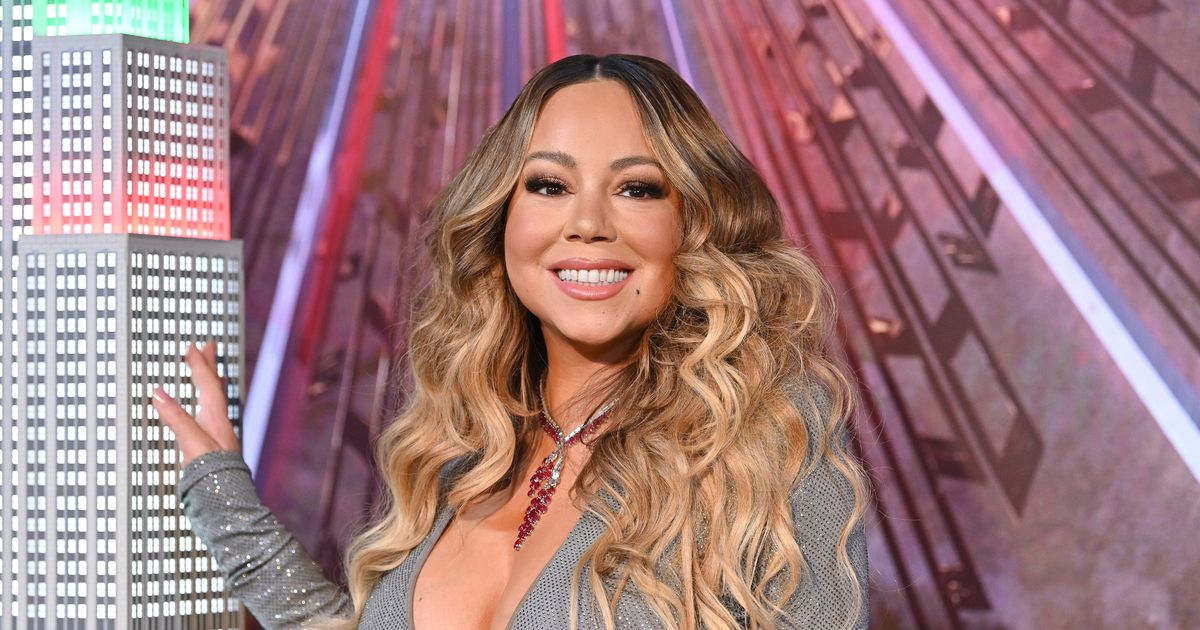 Mariah Carey 'offered millions' by Apple + to make 2021 Christmas extravaganza