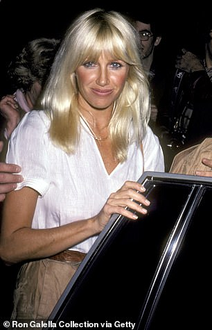 Suzanna Somers was spotted outside La Scala in 1981