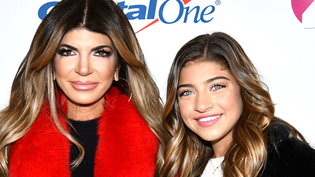 Gia Giudice Shows 1st Public Support For Mom Teresa's New Romance With BF Louie Ruelas — See Comment