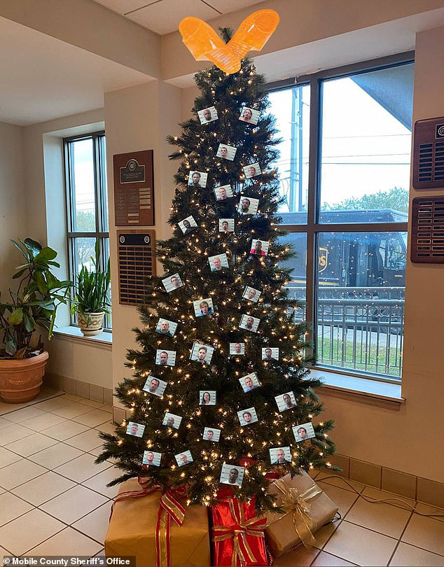 Alabama Sheriff's 'thugshot' Christmas tree decorations criticised as 'divisive and cruel'
