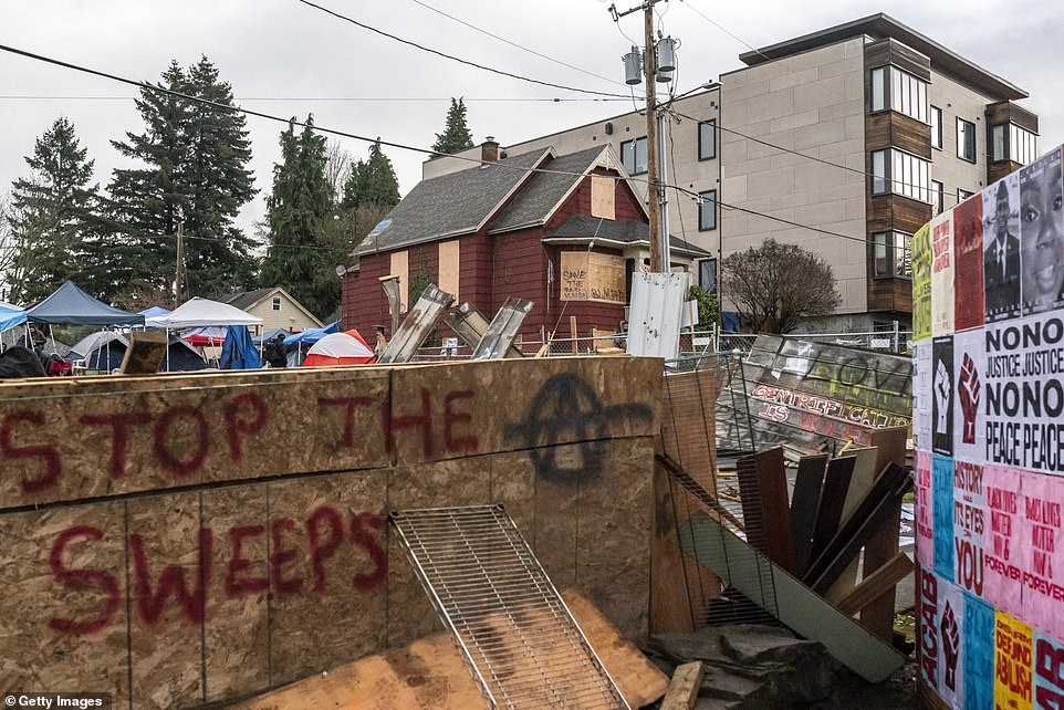 Crime spikes in Portland neighborhood amid 'autonomous zone' to protest eviction of black family
