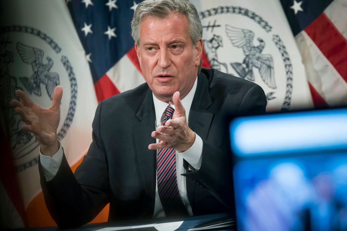 "De Blasio: ""I will be one of the first to get vaccinated"" 