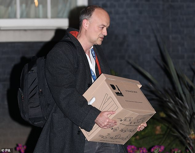 Dominic Cummings received No10 pay rise of at least £40,000 this year