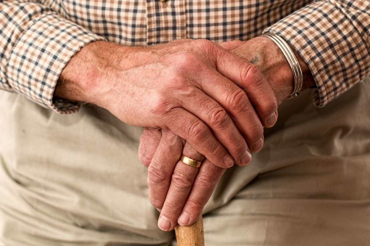 Dominican elderly man denounces death threats from his son due to inheritance from the deceased mother | The State