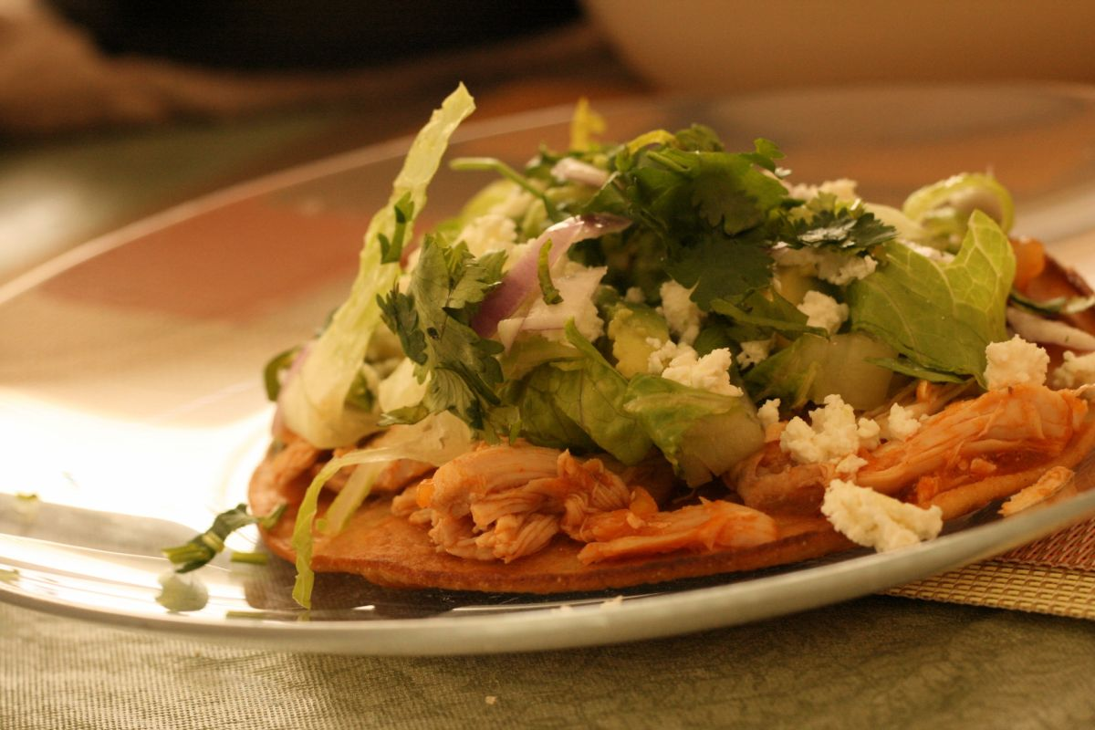 Easy chicken tinga tostadas recipe | The State