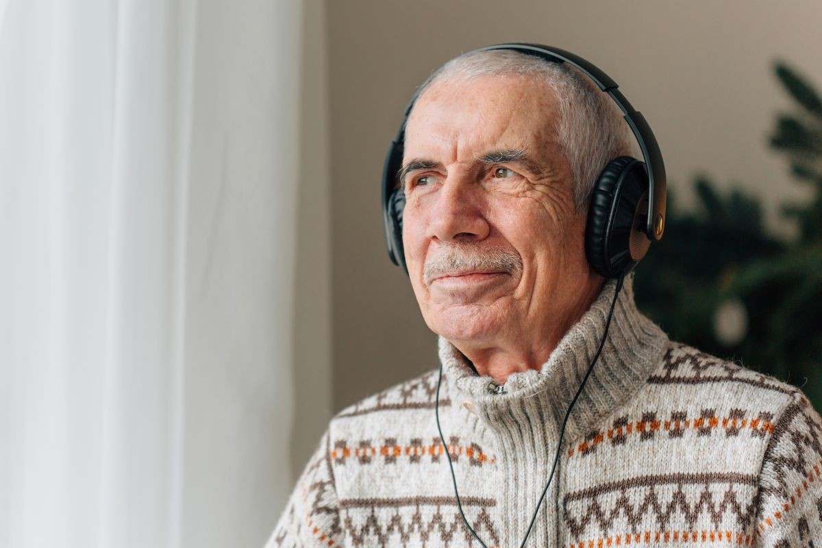 Elderly man was arrested for listening to loud music; died in jail   The State