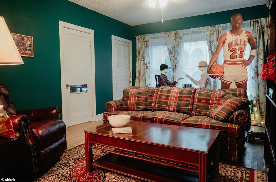 Fancy staying Home Alone? $300-a-night Dallas Airbnb allows you to live like Kevin McCallister