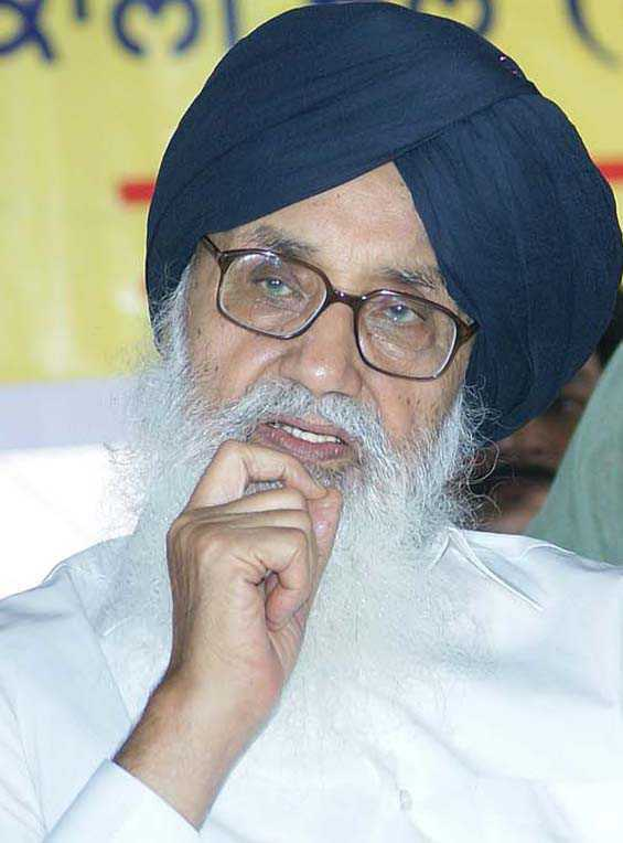 Farmers' protest: Parkash Singh Badal writes to PM, seeks his 'personal intervention' in reaching a solution