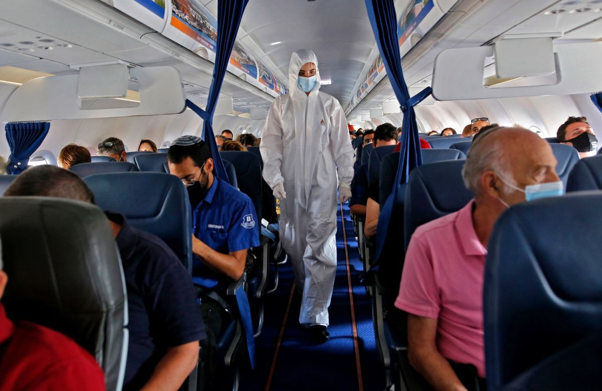 Flight attendants must wear diapers to avoid the spread of coronavirus during flights, advise aviation authorities | The State