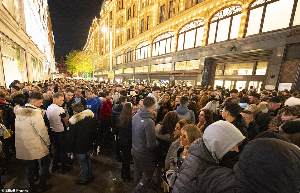 Four people are arrested as hundreds of teenage 'travellers' tried to get into Harrods