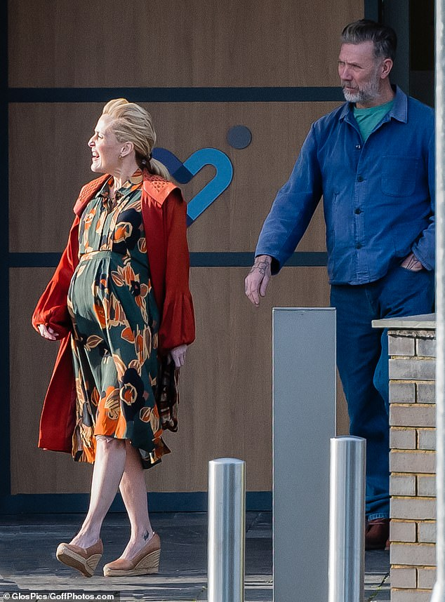 Gillian Anderson's character displays her baby bump as she films Sex Education series three