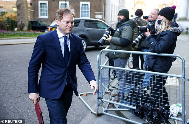 Grant Shapps announces quarantine exemption for business travellers