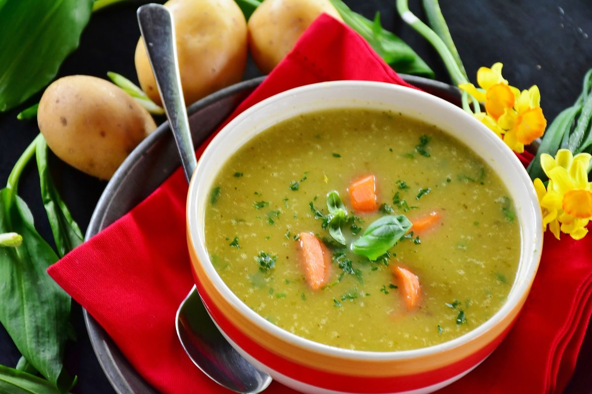 How to prepare warm and delicious vegetable broths to lose weight in winter?   The State