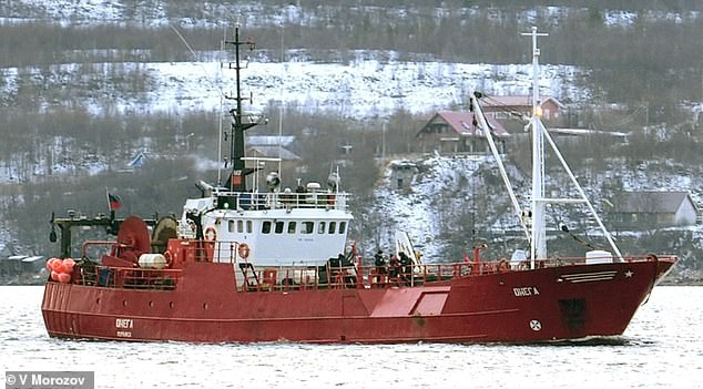 Hunt for 17 fishermen feared dead after their boat sank in minus 30 temperatures in Russian Arctic