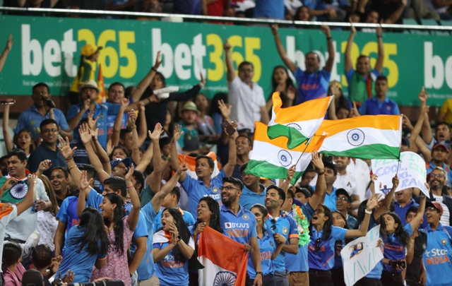India beat Australia by 6 wickets in 2nd T20I, clinch series