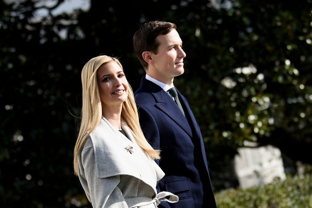 Ivanka Trump boasts a 'glamor' night photo at the White House in a $ 2,750 dress | The State