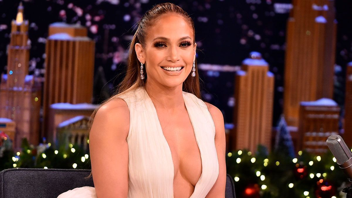Jennifer Lopez is captured with semitransparent leggings that show off her curves | The State