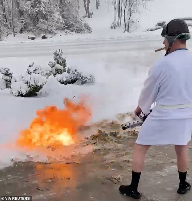 Kentucky man manages to quickly clear his driveway with a flamethrower