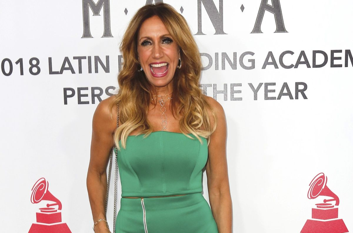 Lili Estefan's dress went up and the audience went crazy with her legs | The State