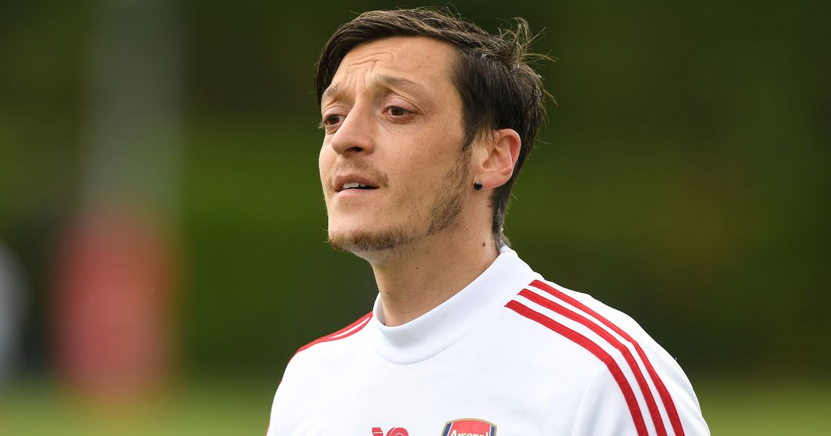 Mesut Ozil 'holds talks over £200,000-a-week pay cut' ahead of transfer