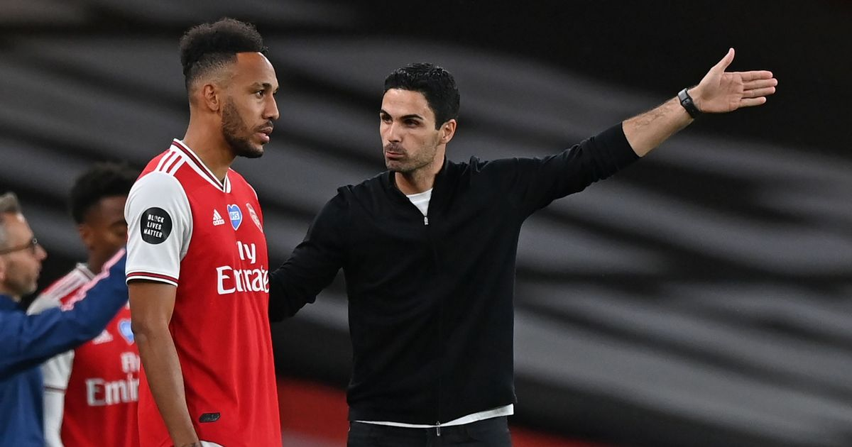 Mikel Arteta offers advice to Pierre-Emerick Aubameyang amid Arsenal struggles