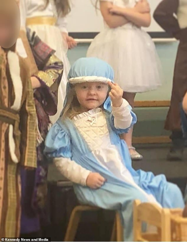 Mother left shocked as four-year-old daughter holds up her middle finger during nativity play