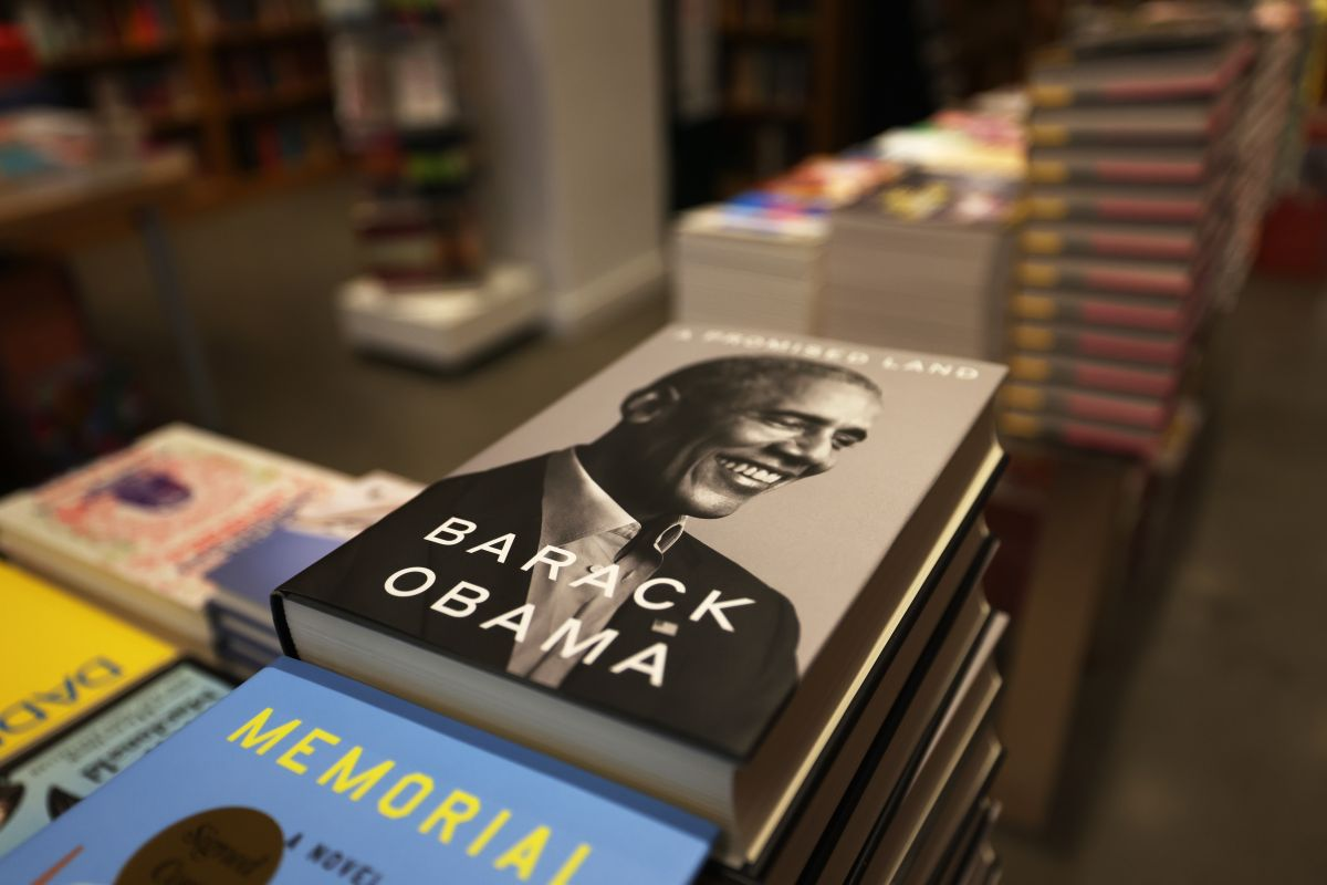 "Obama is ""Dominican"" in the Spanish version of A Promised Land audiobook 