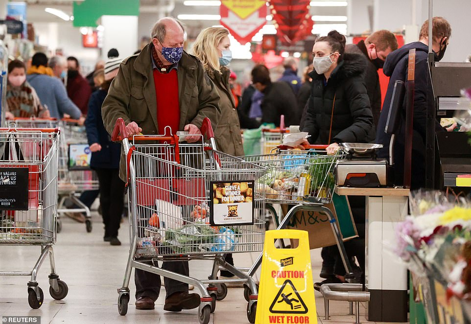 Retail industry boss warns if jams are not cleared TODAY there will be shortages after Christmas
